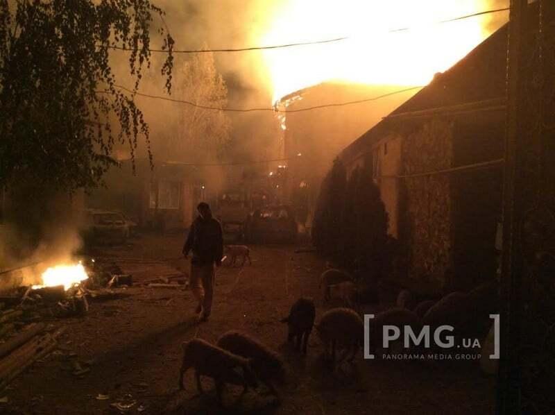 """Циганський бунт в Мукачеві: роми спалили будинок """"Національного барона України"""""""