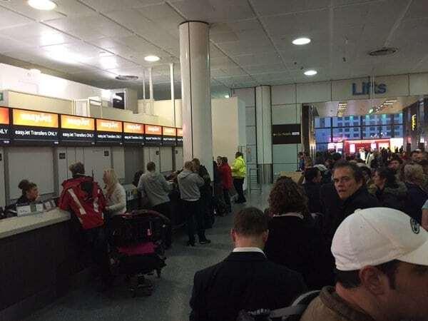 """Лондон під прицілом: в аеропорту """"Гатвік"""" заарештували француза зі зброєю. Фоторепортаж"""