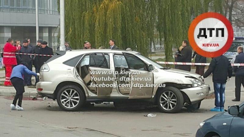 З'явилися моторошні фото з місця вибуху автомобіля в Києві