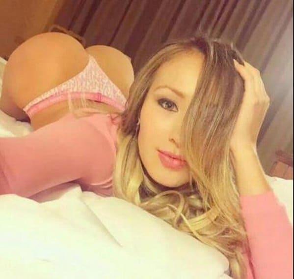 Популярная модель Playboy ради билета на футбол снялась в откровенном видео