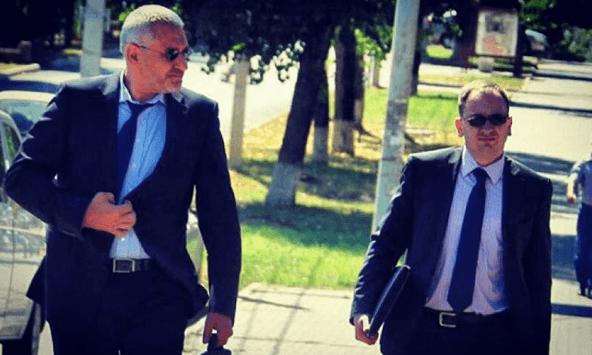 """Адвокат Савченко потролив Кремль своїм """"кримінальним фото"""""""
