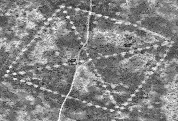 NASA обнаружило в Казахстане древнюю свастику
