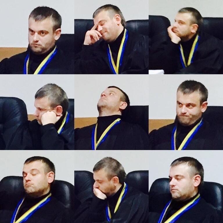 Соцмережа запалили фото емоційного судді, що слухав свідчення ГРУшники