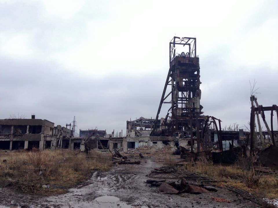 Постапокалипсис: терористи перетворили шахту Бутівку на Донеччині в руїни. Фоторепортаж