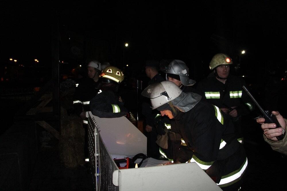 В Киеве произошел масштабный пожар: все подробности, фото и видео