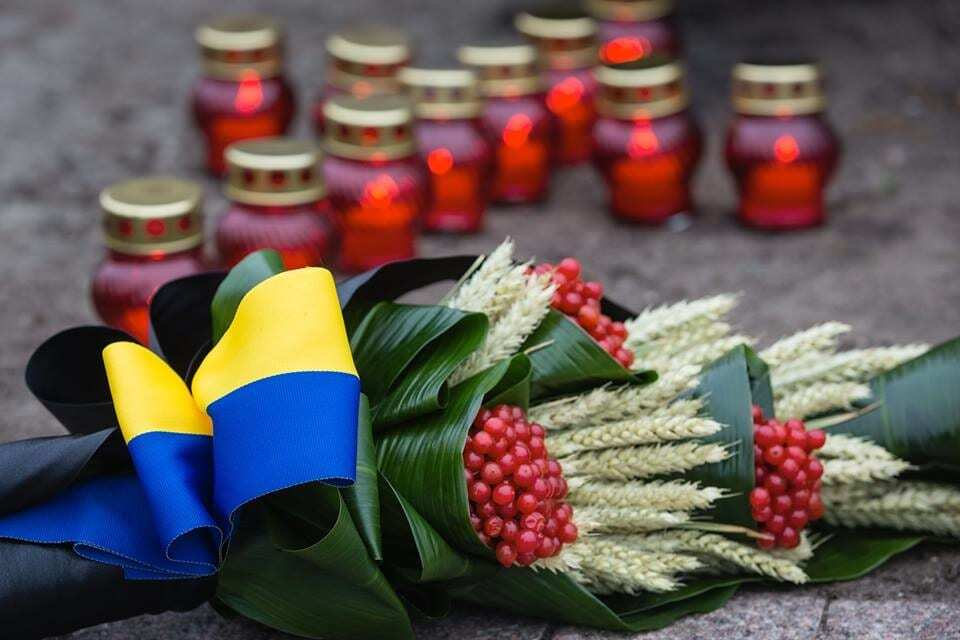 Голодомор - прояв гібридної війни Росії проти України - Порошенко