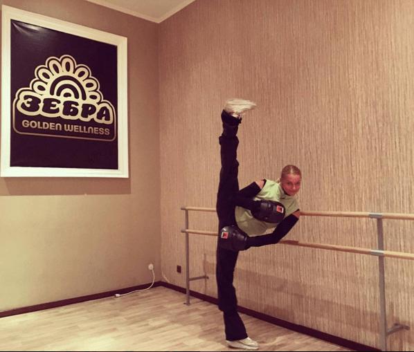 Волочкова удивила огромными боксерскими перчатками: фотофакт