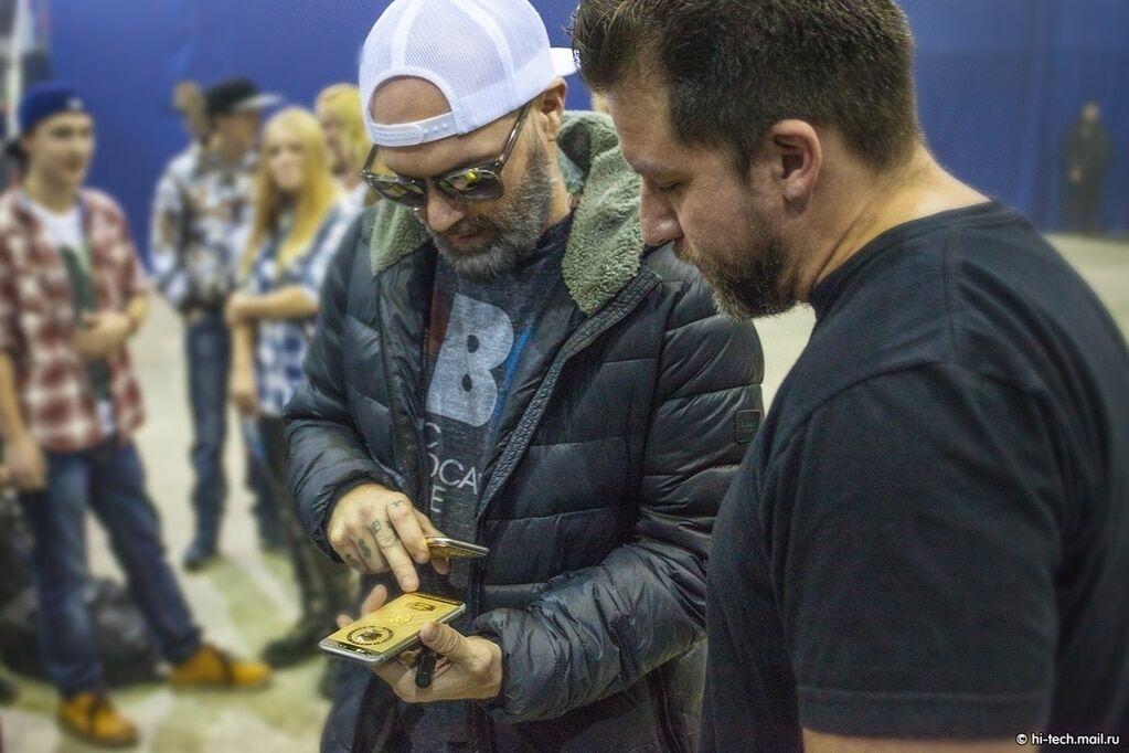 """Соліст Limp Bizkit знайшов особистого """"золотого Путіна"""": фотофакт"""