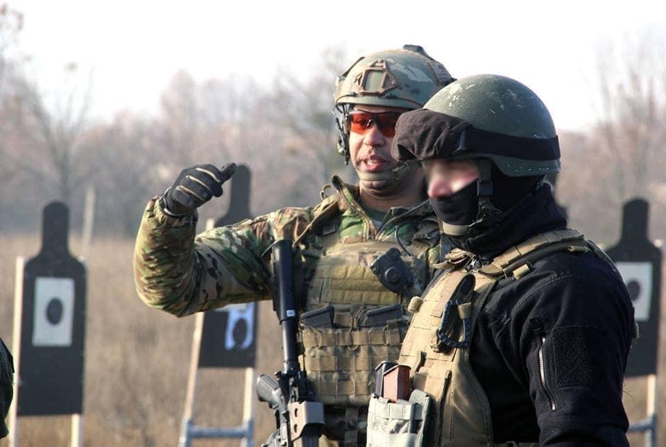 фото украинского спецназа на броне без