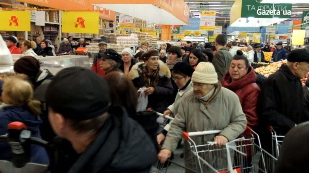 У київському супермаркеті покупці влаштували бійку за дешеві яйця: опубліковані фото і відео