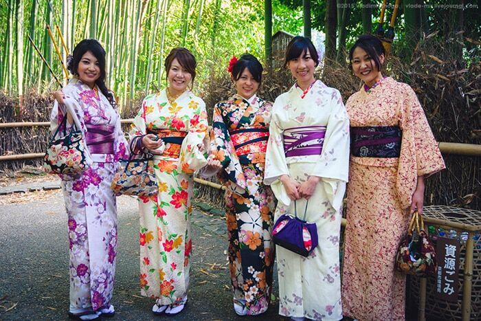 Красота Востока: топ-13 ярких фото девушек в кимоно