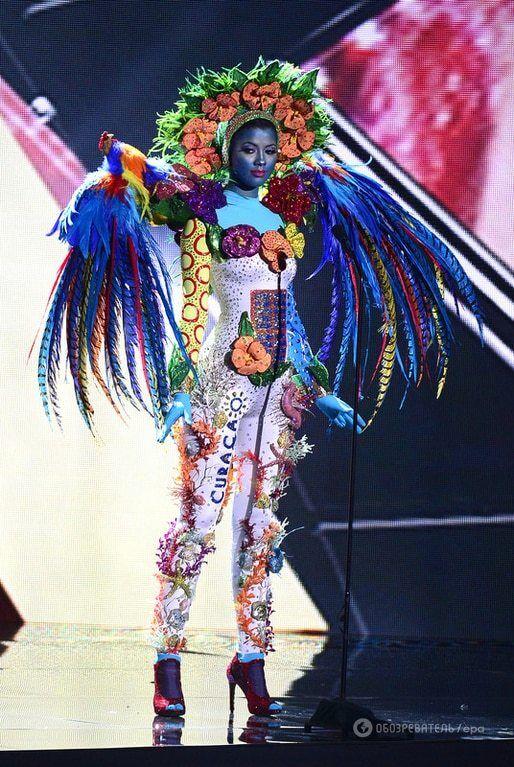 """""""Міс Всесвіт-2015"""": фото з дефіле в національних костюмах"""