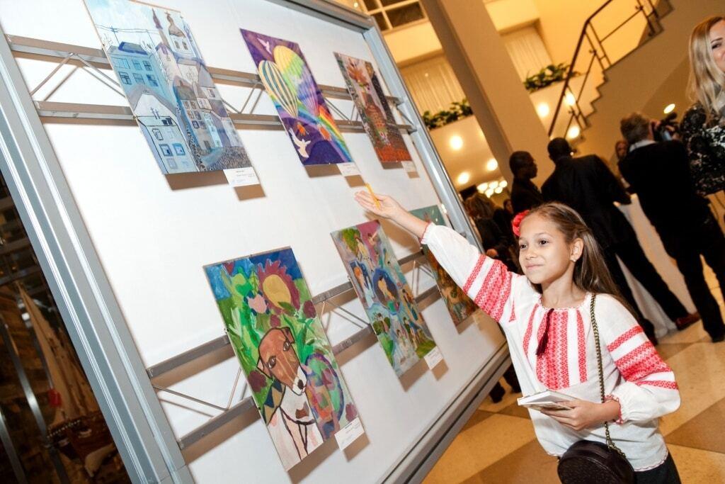 Фонд Игоря Янковского открыл выставку детских картин в штаб-квартире ООН