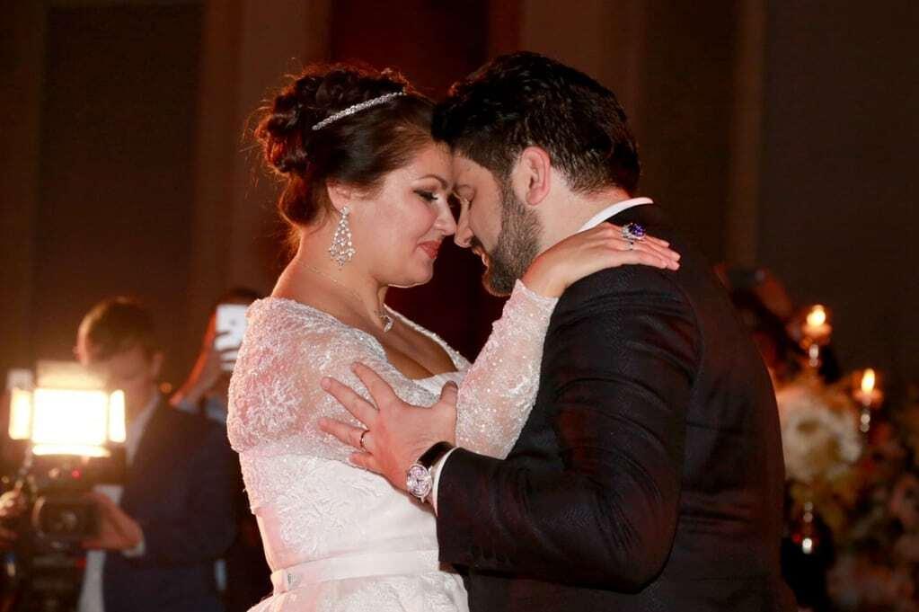 Оперна діва і спонсор терористів Нетребко закотили шикарне весілля у Відні: опубліковані фото