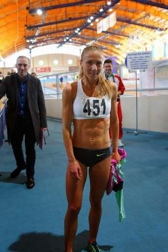 Пресс и бюст. Белорусская рекордсменка похвасталась фото топлес