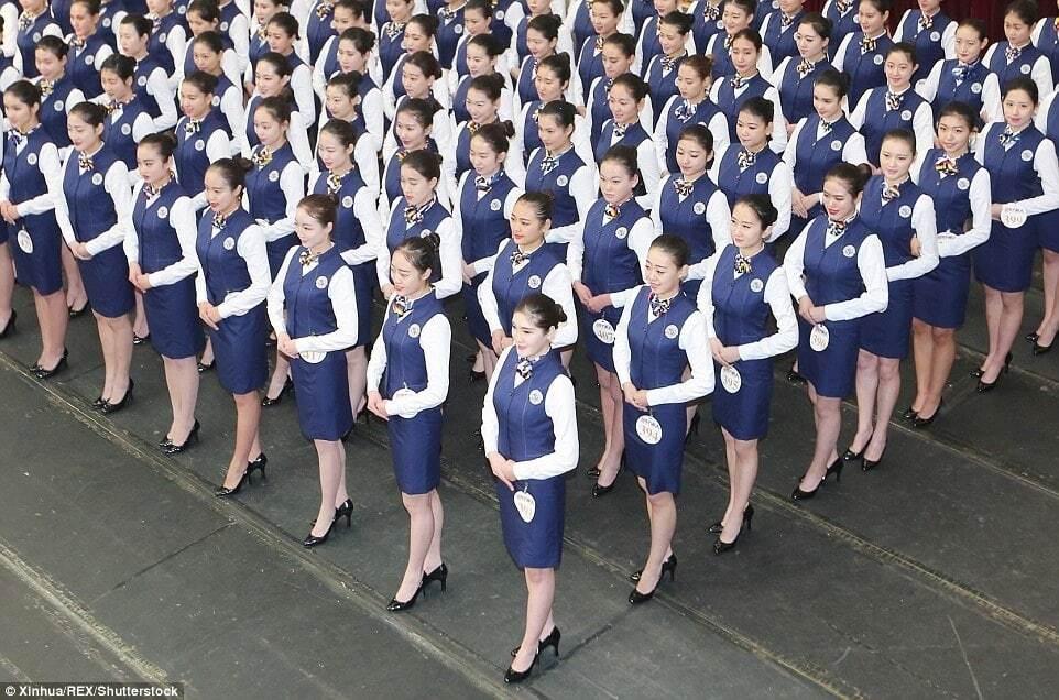 Майже конкурс краси: як у Китаї жорстко вибирають стюардес