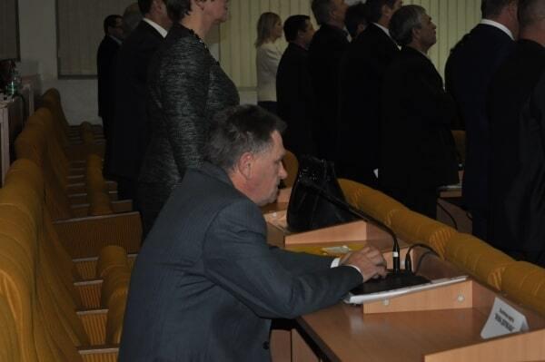 """""""Ганьба!"""": Миколаївський депутат відмовився встати під гімн України"""