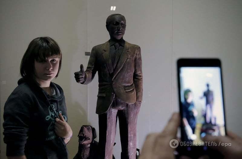 У Санкт-Петербурзі зробили ростову статую Путіна з шоколаду