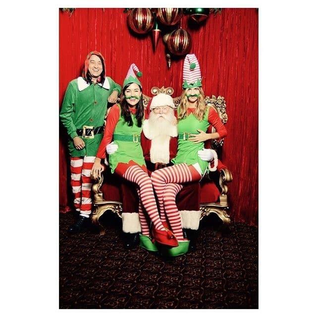 Будет горячо: Санта Клаус взял себе в помощники Сашу Грей