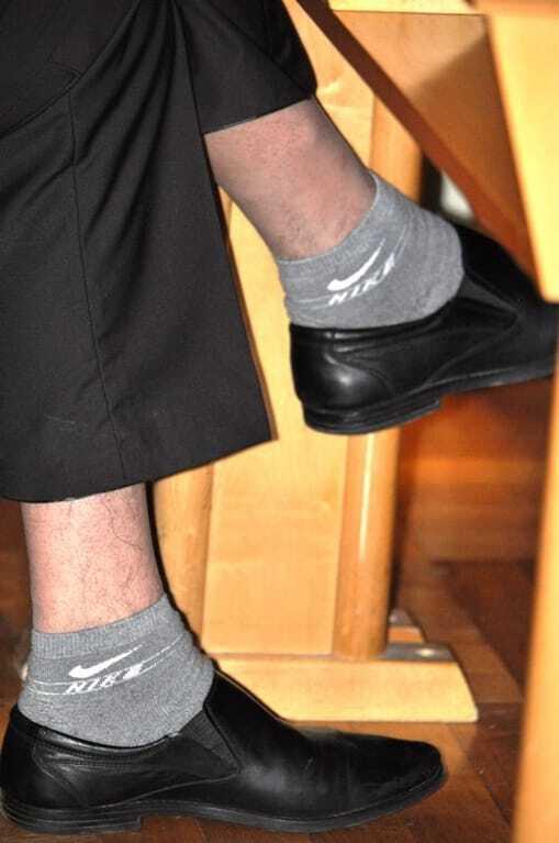 """Модний вирок: на Закарпатті депутат став """"героєм дня"""" через вбрання. Фотофакт"""