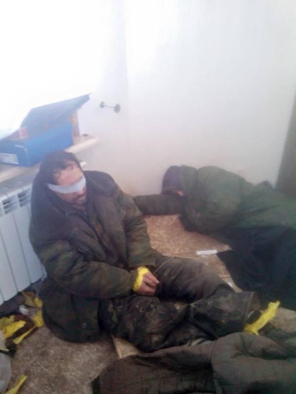 """Захвачен в плен террорист """"Гном"""", пытавший украинских военных: фотофакт"""