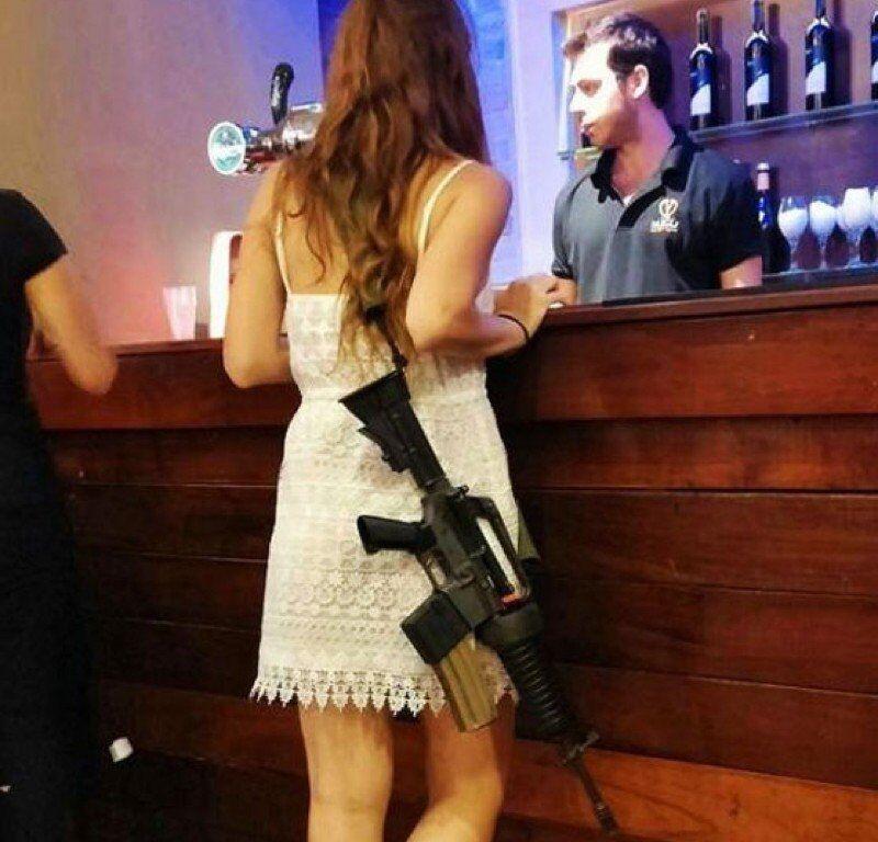Только в Израиле ваша девушка может прийти на свидание с винтовкой: подборка интересных фактов о стране