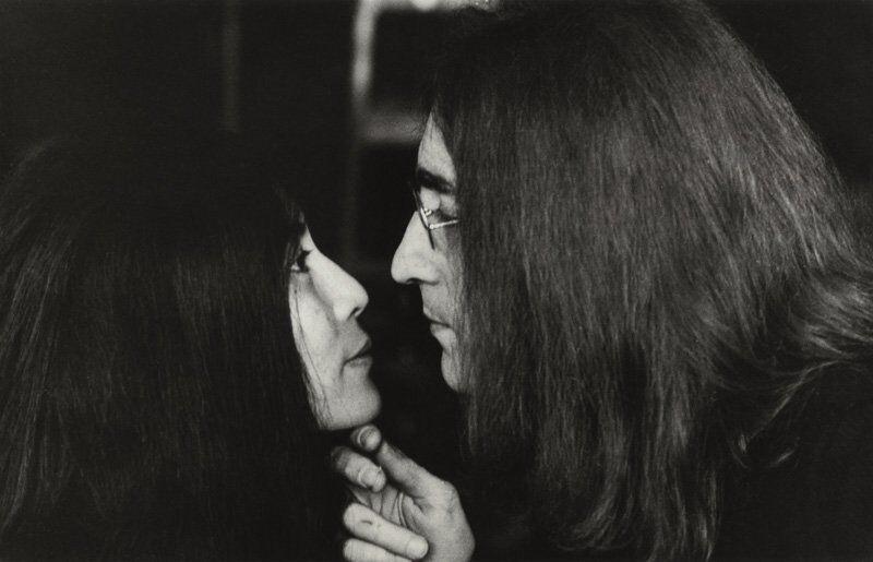 странные фотографии джона леннона и йоко оно