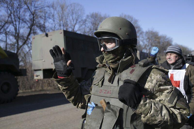 Украинские военные вышли из Дебальцево: последние события на Донбассе и фото