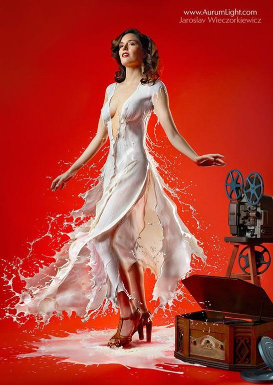 Обворожительные платья, сделанные из молока