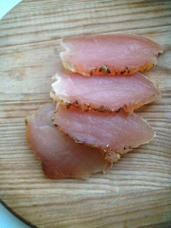 Чем заменить магазинную колбасу: 3 рецепта мясных деликатесов от кулинарного блогера