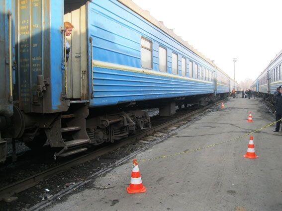 Во Львове в поезде нашли тайник с боеприпасами: опубликованы фото