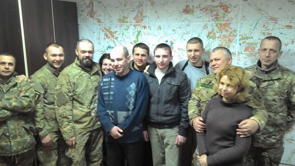Опубликованы имена и фото четырех освобожденных из плена бойцов АТО
