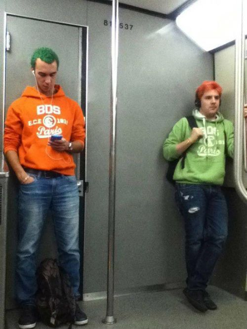 Люди, которые позабыли, что такое индивидуальный стиль. Опубликованы фото