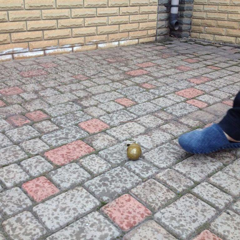 "Во двор дома комбата ""Кривбасса"" прилетело две гранаты: бросал ""чайник"""