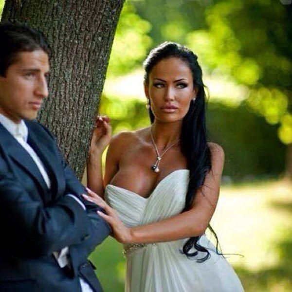 Нидерландские фанаты шокированы женой украинского футболиста: горячие фото