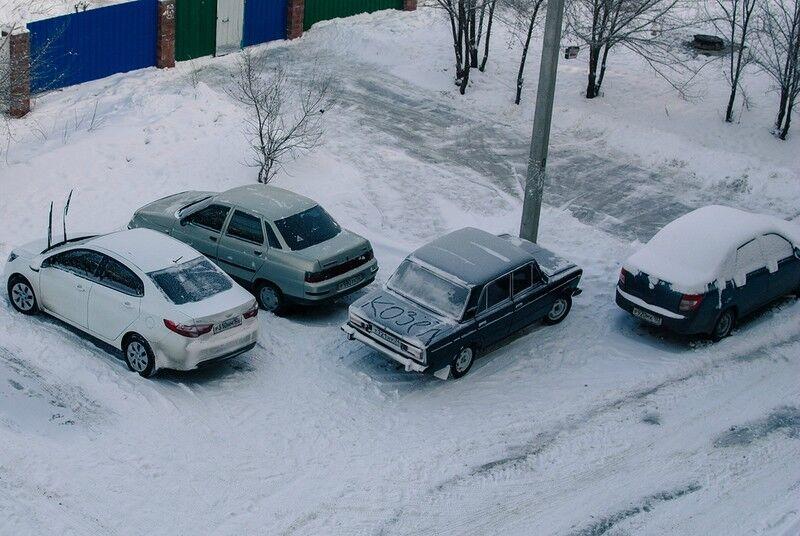 Гуру парковок: опубликованы забавные автоприколы