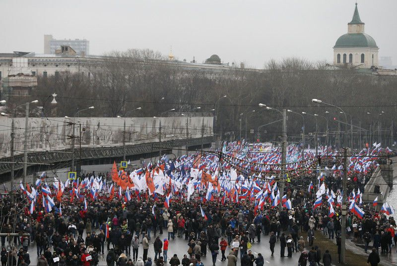 """""""Герои не умирают"""": десятки тысяч москвичей вышли на шествие памяти Немцова. Фото и видео"""