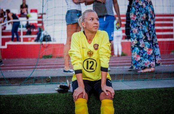 Топ-8 самых сексуальных футболисток российского чемпионата: соблазнительные фото