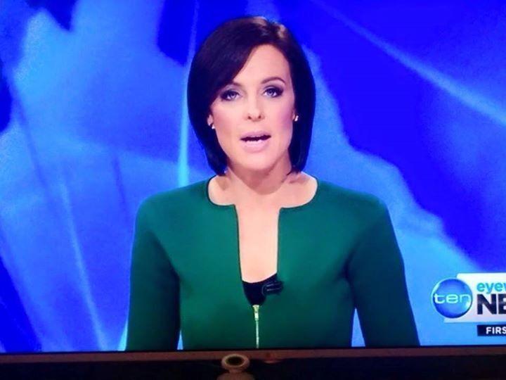 Фото телеведущей в пиджаке с вырезом в виде пениса зажгло соцсети