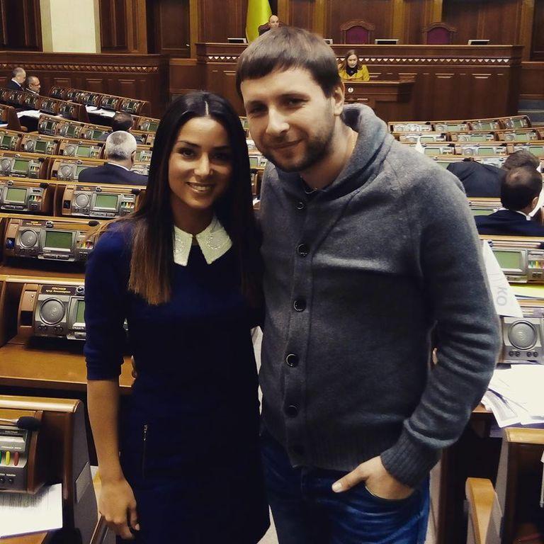 Названо топ-10 завидних наречених і женихів зі світу української політики