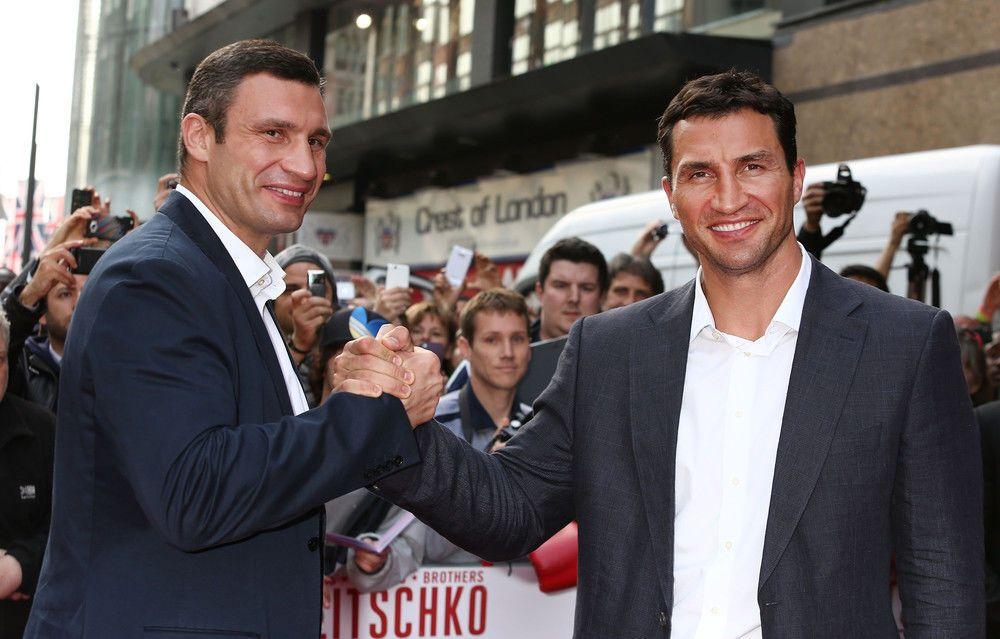 Виталий Кличко трогательно поздравил брата с днем рождения