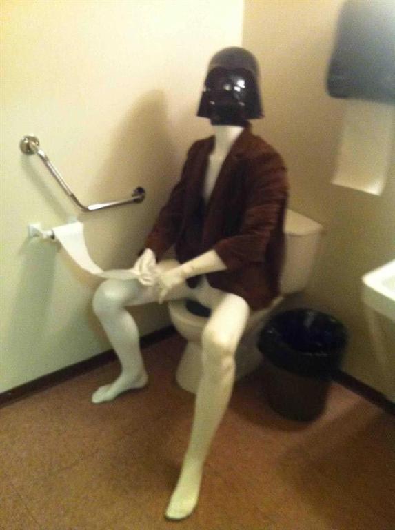 25 странных фото в туалете, которые просто невозможно объяснить