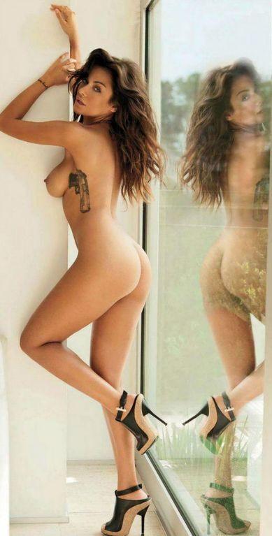 Сексуальное Евро-2012: жгучая брюнетка, покорившая миллионы: жаркие фото