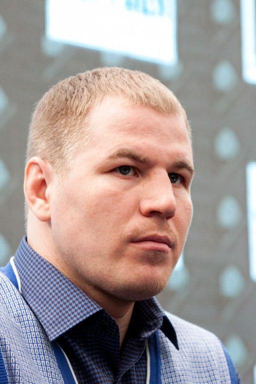 Усик не намерен делать с россиянином политического шоу