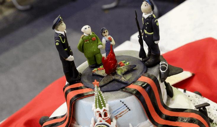 Торт с мертвым мальчиком победил на конкурсе в России