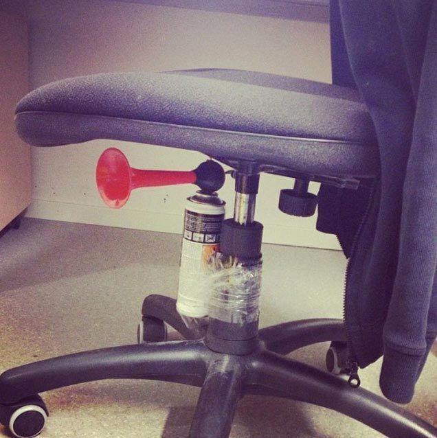 25 офисных приколов, которые заставят вас радоваться тому, что вы работаете в другом месте