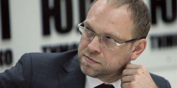 Окунская опубликовала романтические фото Тимошенко и Власенко