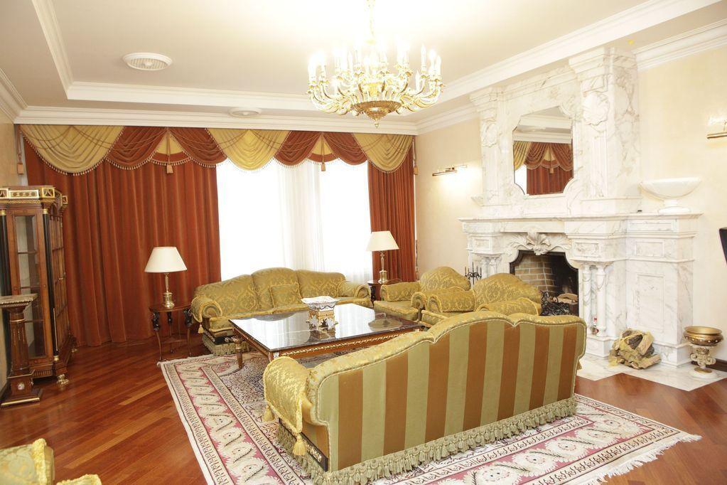 Мебель от Versace, винный погреб и кинозал: что осталось после VIP-чиновников в Конча-Заспе