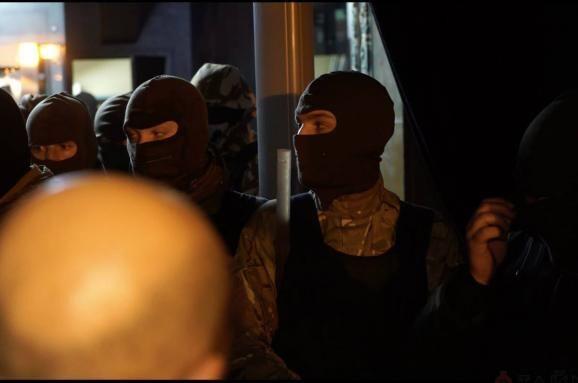 """В центре Одессы произошла массовая драка между """"Правым сектором"""" и """"охраной"""" казино: опубликованы фото и видео"""