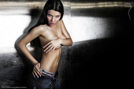 Помощница премьера Словакии взорвала интернет своими откровенными снимками